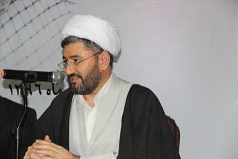 نظام سلطه امروز درصدد خالی کردن محتوای انقلاب اسلامی است