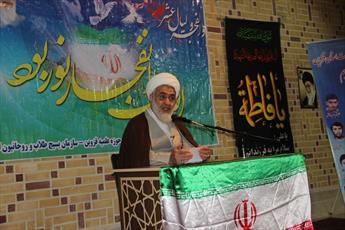 مجاهدت های علما در دوران انقلاب به فراموشی سپرده نشود/ تمام روسای جمهور آمریکا ایران را تهدید کرده اند