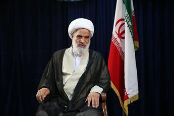 انقلاب اسلامی در مبارزه با تفکرات سکولار و لیبرال، طلایه دار است