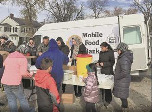 خیریه اسلامی در اوهایو، «بانک غذای سیار» به راه انداخت