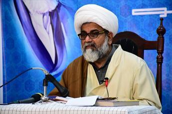 قدرت های جهان در حل منازعات و مشکلات امت اسلامی صادق نیستند