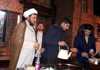 توزیع روزانه دوهزار کاسه حلیم در ایستگاه صلواتی حرم حضرت معصومه(س)
