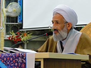 بهره گیری از آرمان های حسینی عامل عزت و اقتدار ملت ایران است