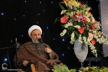 انقلاب اسلامی ریشه در حضور امام رضا(ع) در خطه ایران دارد