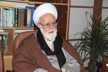 مسجد جای فعالیت های سیاسی روشنگرانه انقلابی است نه حزب و جناح بازی