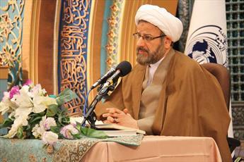 فقه در نگاه امام خمینی(ره) ورای تکالیف فردی تعریف می شود