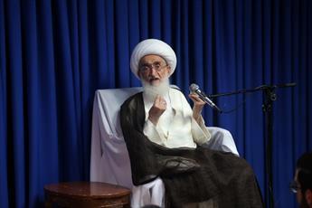 مسئولان به جای گرفتن مراسمات مخالف اسلام مشکلات معیشتی را حل کنند