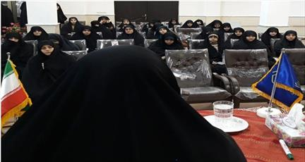امام خمینی(ره) نور ایمان را در دنیا گستراند