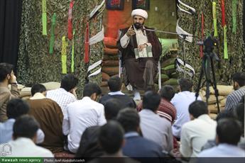 تصاویر/ محفل نورانی شبی با شهدا در مدرسه علمیه حقانی