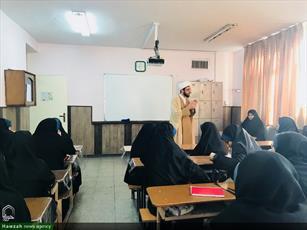 تصاویر/ کارگاه نماز و سلامت  روان خانواده در  دبیرستان دختران شاهد جهاد منطقه ۱۶ تهران