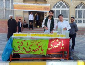 برپایی ایستگاه صلواتی از سوی طلاب  کامیاران  به مناسبت ولادت امام باقر علیه السلام