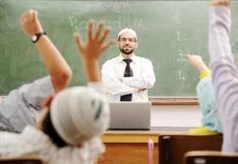 مسلمانان انگلیس بیشتر از سایر مردم به هویت دینی و ملی پایبند هستند