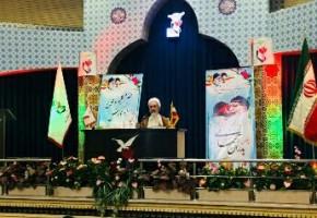 والدین  شهدا سهامداران انقلاب اسلامی هستند/ جریان مقاومت به برکت خون شهدا شکل گرفت