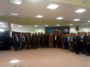 خوش رویی با ارباب رجوع از وظایف کارکنان دولت و شهرداری هاست