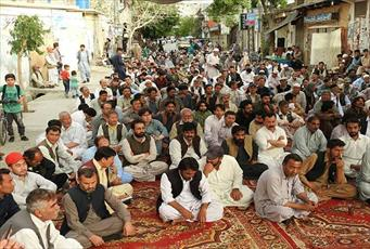 تحصن اعتراض آمیز به ترور شیعیان هزاره در کویته پاکستان وارد هشتمین روز شد