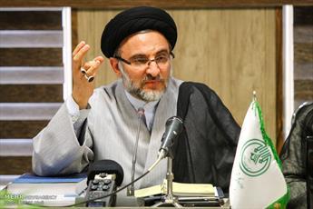 سعودی ها عابر بانک کشورهای غربی اند/ دشمن به دنبال بدل سازی برای انقلاب اسلامی است