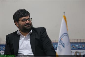 درصدد هستیم قم  به عنوان پایتخت کتاب ایران معرفی شود/  اصحاب هنر و رسانه باید در ترویج حمایت از کالای ایرانی گام بردارند