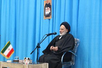 نماینده ولی فقیه در خراسان جنوبی: سلاح ایران برای حفظ ارزش ها   به کار می رود