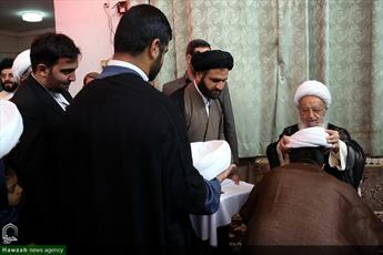 مراسم عمامه گذاری طلاب ایرانی و غیر ایرانی برگزار شد