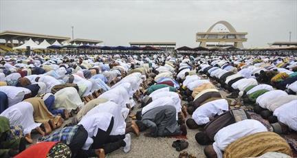 غنا از مساجد خواسته برای پخش اذان به جای بلندگو از واتس آپ استفاده کنند!