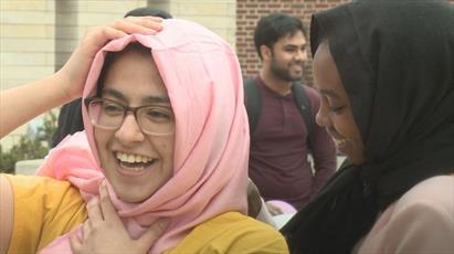 برگزاری مراسم «حجاب بگذارید» در دانشگاه آیوا و استقبال غیرمسلمانان