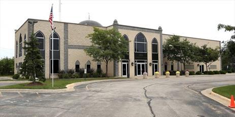 مسجدی در ایلینویز «ساعات باز» برای حضور غیرمسلمانان در نظر میگیرد