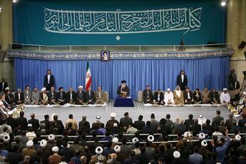 ایران با عمل به قرآن مقابل امریکا ایستاده است