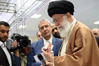 فیلم/ بازدید رهبر انقلاب اسلامی از نمایشگاه کالای ایرانی