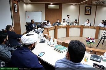 نشست بررسی فعالیت شبکه های اجتماعی در ایران، آسیب ها و فرصت ها برگزار شد