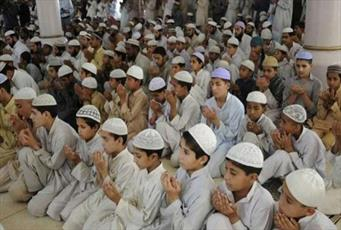 کمک مالی ۱۷ کشور اسلامی و غیر اسلامی به ۱۲ هزار مدرسه دینی پاکستان
