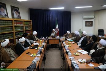 تصاویر/ نشست جمعی از وعاظ با آیت الله اعرافی