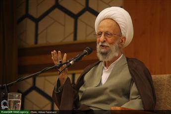 کمیته امداد کار یک دولت را انجام میدهد/  نظام جمهوری اسلامی  باید به فکر فقرا باشد