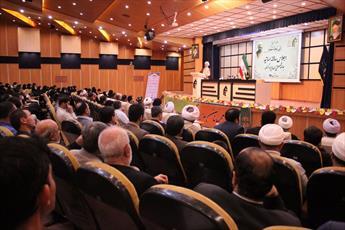 جامعه المصطفی همانند الماس  در جهان اسلام می درخشد/ اساتید فقط متصدی درس دانش آموختگان نیستند