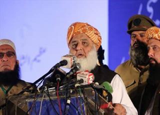 مدارس دینی پاکستان مورد تهدید استعمار غربی است