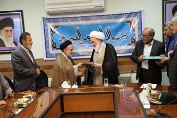 خدمت به آستان اهل بیت(ع) افتخار ایرانیان است
