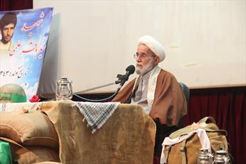 مدیر حوزه علمیه استان قزوین: شهدای روحانیت طلایه داران شهیدان هستند