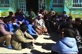 فیلم/ روش تبلیغ یک روحانی در مدارس پسرانه