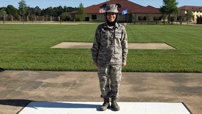 برای نخستین بار، زن محجبه در نیروی هوایی میشیگان استخدام شد