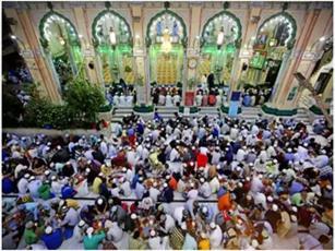 ۸۰۰ مسجد در تلانگانای هندوستان به نیازمندان افطاری می دهند