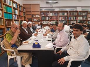 مراسم جزء خوانی قرآن کریم و افطاری در مرکز اسلامی برلین برگزار شد+ تصاویر