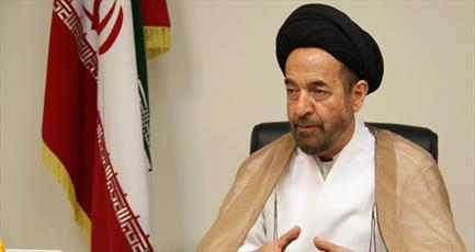 رهبری از عناصر منافق صفت درون نظام «خونجگر» میخورند/ عده ای با نام خط امام (ره)  به آمریکا خدمت میکنند