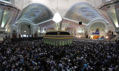 سخنرانی رهبر انقلاب به مناسبت سالگرد ارتحال امام (ره) تا دقایقی دیگر/ حضور پرشور اقشار مردم در حرم مطهر