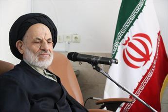 انقلاب اسلامی معجزه تاریخ است/ باید کربلای ۶۱ هجری را با ظلمهای امروزی گره زد