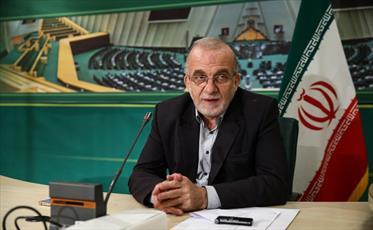 طرح بانکداری بدون ربا در حال بررسی است/ مشکل آب اصفهان  سیاسی و جناحی شده است
