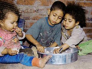 روزه داران  فقرا و ضعفا را را یاد نبرند