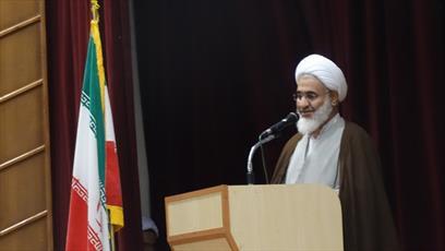 استمرار انقلاب به دست روحانیت محقق می شود/ فضای معنوی ماه رمضان در طول سال حفظ شود