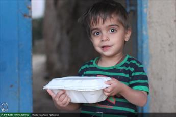 توزیع هفتگی بیش از ۱۰ هزار پرس غذای گرم میان نیازمندان