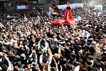 مردم بلتستان پاکستان «عاشورای تابستانی» برگزار میکنند
