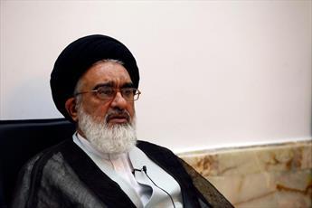 هیأت اندیشهورز سفیران کریمه تشکیل شود/ عطر پرچم حضرت معصومه(س) موجب بصیرتافزایی مردم میشود