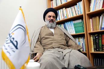 نماینده ولیفقیه در کردستان:  وظیفه امام جماعت تنها نماز خواندن نیست/  نگاههای سطحی و گزارشی به حوزه نماز خاتمه یابد